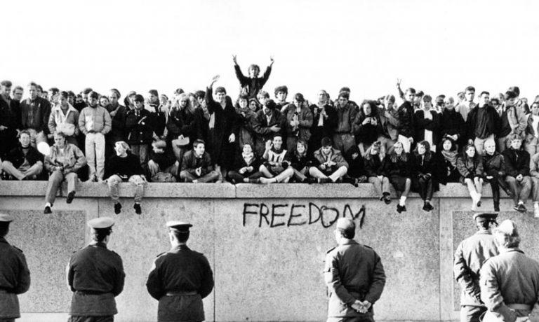 El muro de Berlín: La mayor galería de arte urbano
