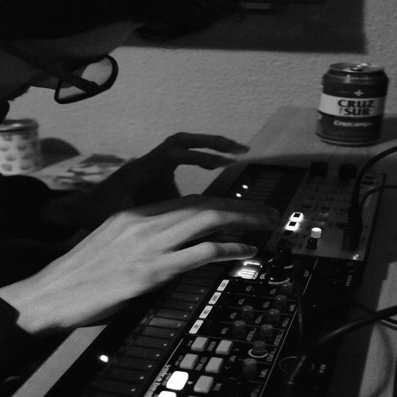 "Ortiga Atomika luce nuevo álbum ""TeknoKaribe"""